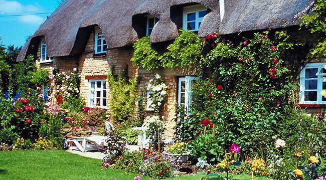 les 25 meilleures id es de la cat gorie cottages anglais sur pinterest cottage ext rieur. Black Bedroom Furniture Sets. Home Design Ideas