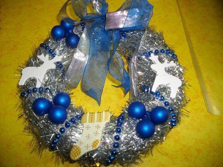 28 best couronnes de no l images by fait maison on pinterest holiday burlap wreath homemade - Couronne de noel fait maison ...