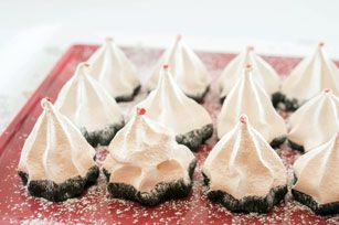 Tuques de meringue au chocolat et à la menthe poivrée