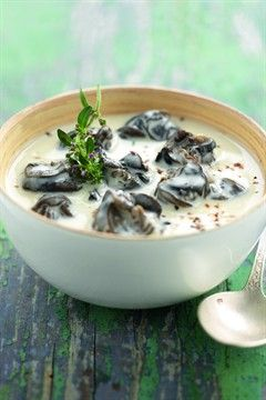 Snail Stew with Garlic Cream (sub yogurt and skim milk for cream)