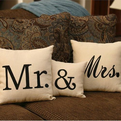 mr and mrs throw pillow set