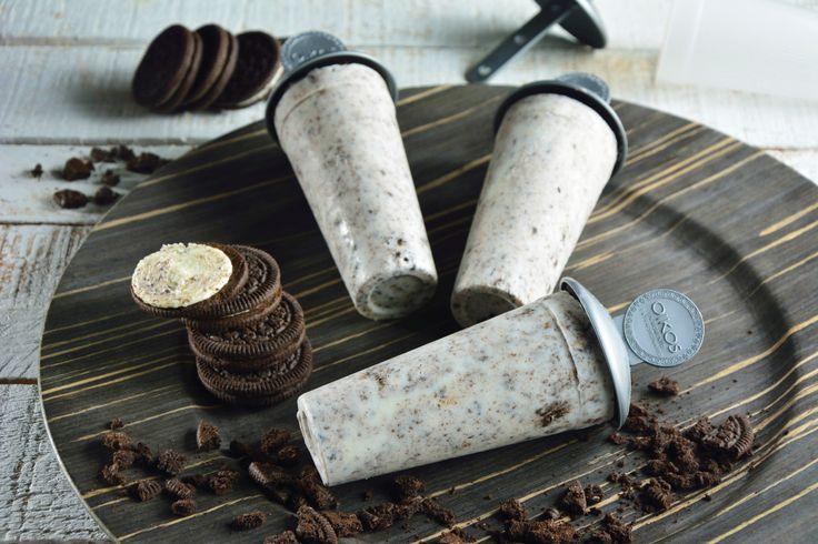 ¡Si te gusta el helado de cookies and cream, esta paleta helada de yogurt con galletas te fascinará! Esta paleta es súper cremosa y tiene el toque perfecto de galletas de chocolate, además son muy fáciles de preparar.