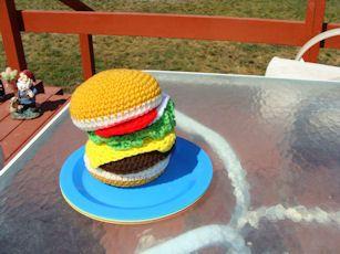 Amigurumi Food: Hamburger Bun, Cheese Slice, Lettuce, Tomato, Onion Slice ~ Free Pattern
