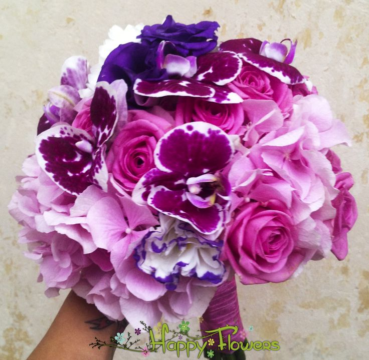 Buchet mireasa Hortensie,lisiandru,orhidee,trandafiri  Pret: 350 RON