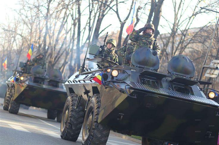 Elicoptere, tancuri şi sute de militari au defilat in cadrul paradei de 1 Decembrie, la Timisoara