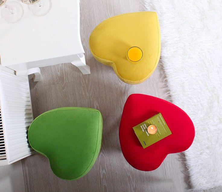 Színezd újra otthonod!   Elegáns puffjaink nem csak ránézésre elegánsak, hanem kivitelezésük is igényes, így remek kiegészítője lehet nappalijának.  www.otthontextil.hu www.madopaplan.hu