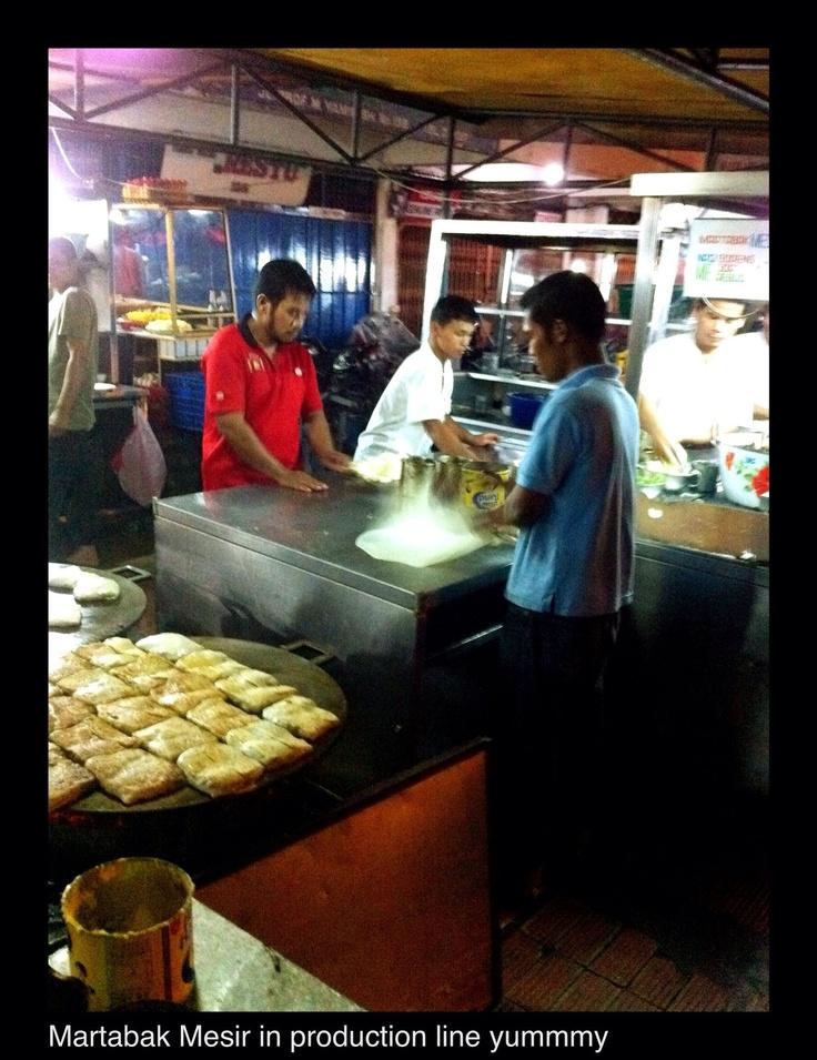 Martabak Kubang-Padang West Sumatera: a kind of omelete uniquely Indonesian. Copyrights Vivi Kembang Tanjoeng.
