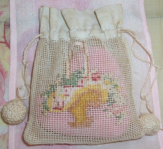 Tiny ANTIQUE Needlepoint ROSES Basket Purse/Bag/Reticule