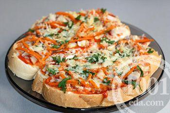 Горячие бутерброды с курицей и корейской морковью