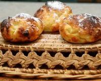 """Пляцок - это разновидность пирога, который пришел к нам из Западной Украины. Можно встретить множество различных рецептов приготовления этой выпечки. Все они будут не похожи друг на друга и вкусные. Мне давно хотелось попробовать испечь пляцок """"Утреннюю росу"""" и я наконец решилась. Это мой первый ..."""