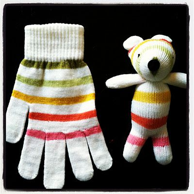 Glove Bear by littlebitfunky: Cute idea to use those poor little matchless gloves we always end up with each year.