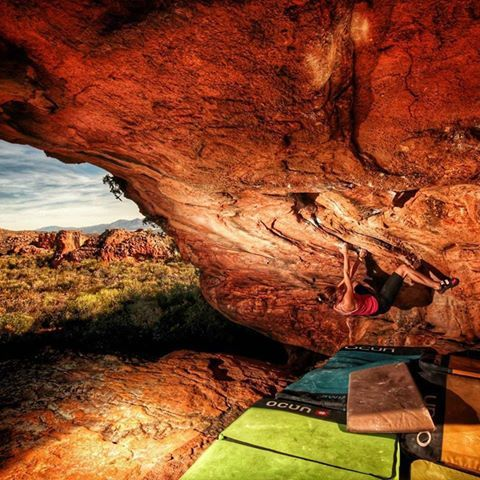 Petra Rummelova  Try in boulder Tea-arch high 7C in Tea Garden, Rocklands, JAR. Such a wonderful place for summer vacation, because 15 degrees in summer is cool #MEclimbing