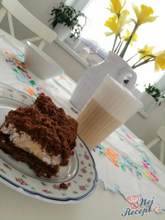 Velmi chutný koláček připomínající Krtkův dort, ale na plechu. Suroviny jsou určeny na malý plech. Autor: cleopatra