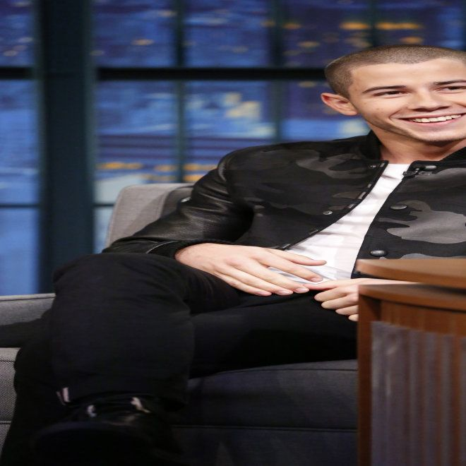 The One Thing You Never Noticed About Nick Jonas Teeth | Cambio