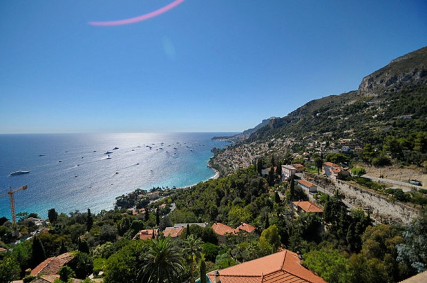 Beautiful view from roquebrune cap martin favorite for Azureva roquebrune cap martin piscine