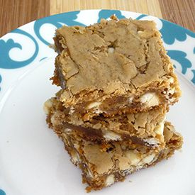 Biscoff Blondies with White Chocolate Chips - an easy and delicious ...
