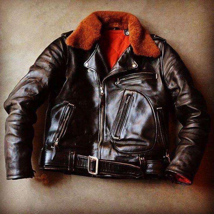 #Repost @mushmans_japan ・・・ MUSHMANS Leather Collection 2016FW Double Riders Jacket  CYCLE CHAMP  MUSHMANS Original Horse Hide  http://shop.mushmans.com/?pid=103234574  #mushmans #ridersjacket #harleydavidson  #doubleridersjacket #cyclechamp