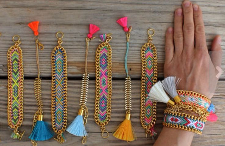 Have to try and remake this friendship bracelets!