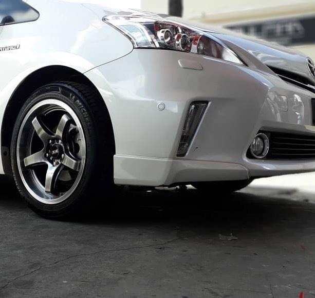 Original Xxr 17 Fitted On Toyota Prius Alpha Via Www Protuning Mu