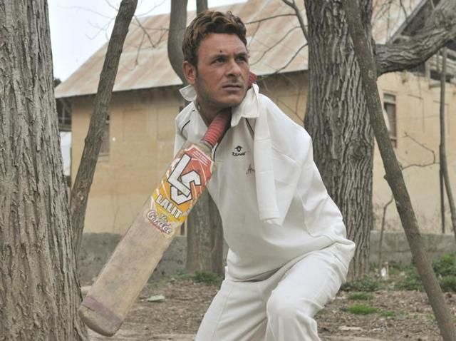 Amir Hussain Lone with no arms is the captain of Kashmir's para cricket team   Newagekashmir   Latest News From Kashmir
