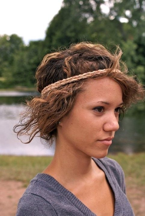 Double stranded hippie headband by Tifycore on Etsy, $5.00  I want to pull off hippie headbands!