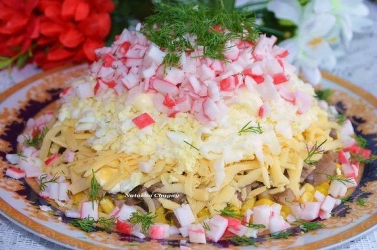 Необычные салаты из самых обычных продуктов)
