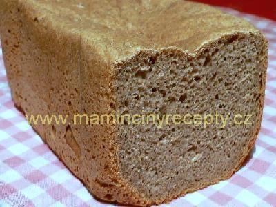 celozrnný toust. chleba