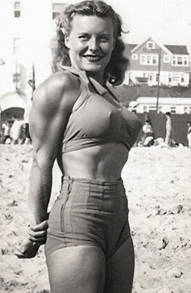 "Abbye Eville, seen here in Stockton, CA, became known as ""Queen of the Barbelles""  became the poster-girl for fitness. In the 1940s, she organized the first all-female weight-lifting contest and opened the first all women's gym in the United States. #vintage"