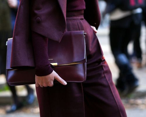 Share Tweet Pin Mail {Pablo Paniagua} I don't typically love oxblood, burgundy, or maroon. Maybe it's because I was a teenager in the nineties when ...