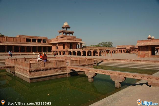 Fatehpur Sikri Palace, India   @ http://ijiya.com/8235362