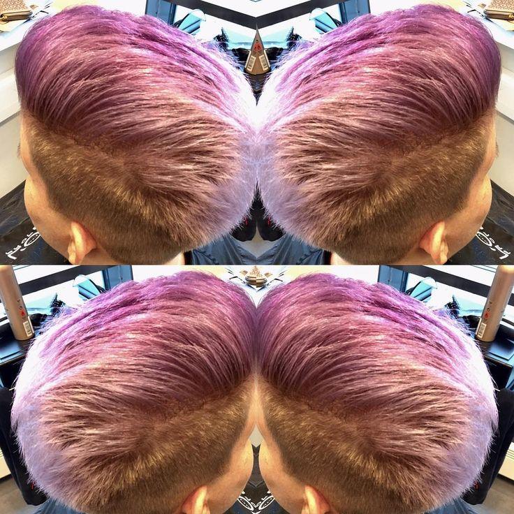 Violetti liukuväri lyhyeen malliin. Made by Hanna, EstiloPlaza #kampaamojyväskylä #purpplehair #revlonprofessional #kevinmurphyfinland #ombrehair #shorthair #lyhythiusmalli