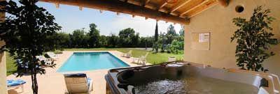 Piscine des Chambres d'hôtes à vendre à Saumane de Vaucluse