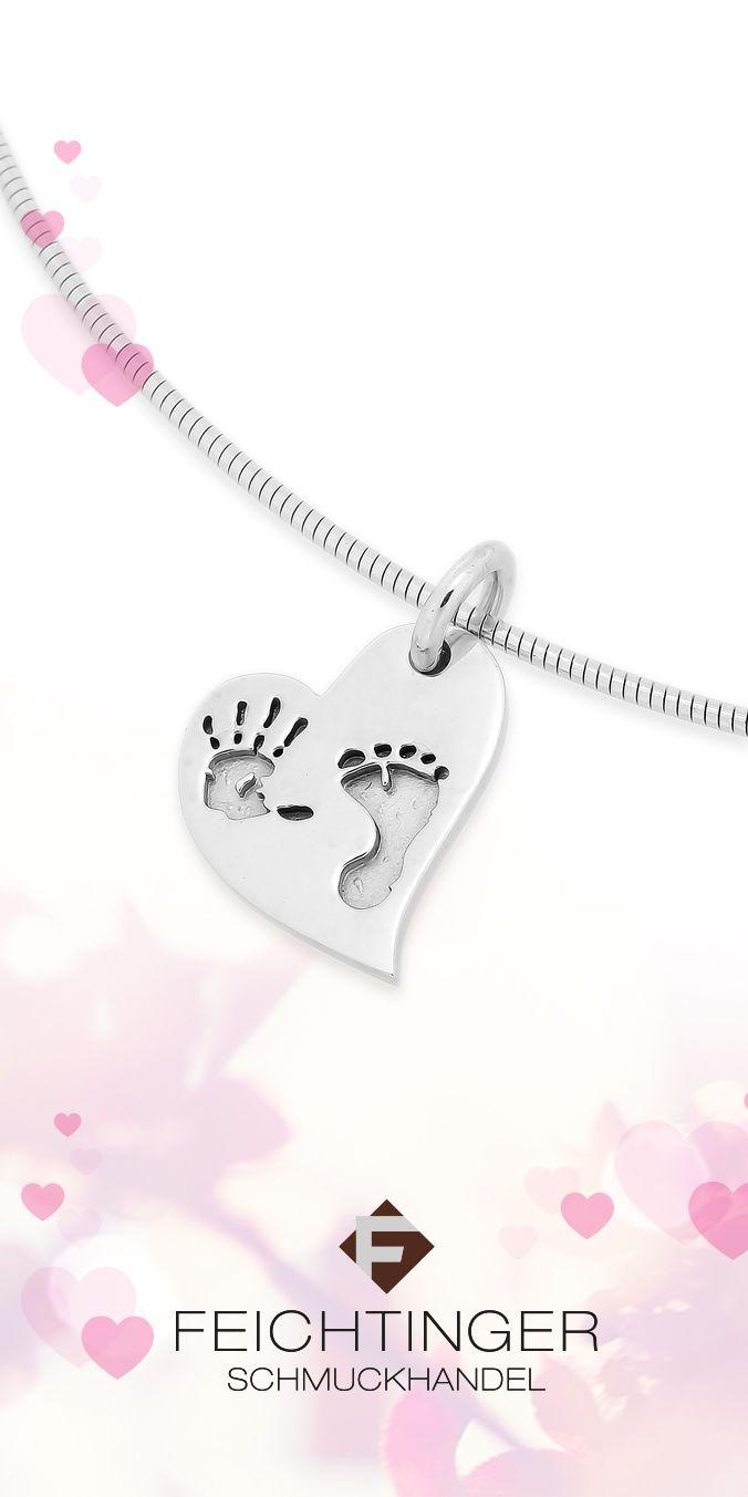 Anhänger ArtNr.: 692012 585/-Weißgold, Herz, Hand und Fuß  #mutter #muttertag #mama #mothersday #mother #schmuck #feichtinger #feichtingerschmuck #schmuckhandelfeichtinger #jewellery #madeinaustria #diamant #ohrstecker #ohrschmuck #herz
