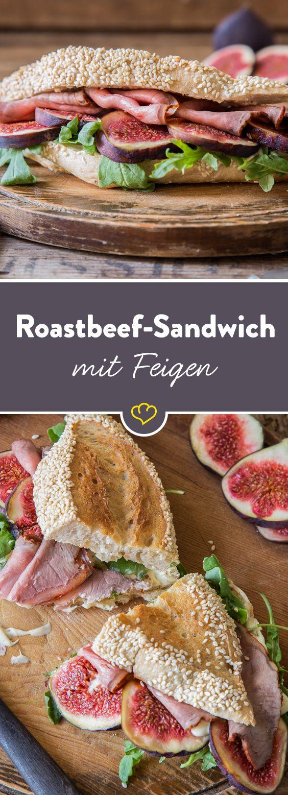 Der Star des Supersandwiches ist das hauchdünn geschnittene Roastbeef, das auf cremiger Honig-Senf-Sauce, Rucola und Feigen gebettet wird.