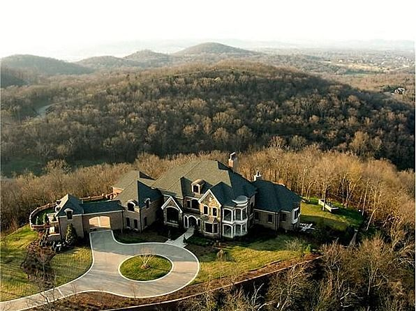 Leann Rimes Chops Price On Tennessee Mansion Outrageous Luxury