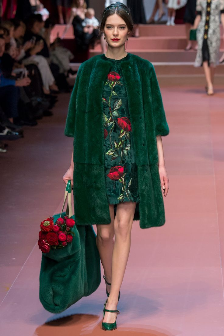 Dolce & Gabbana Ready to Wear FW 2015 MFW (11)