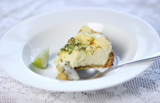 Lime and pistachio cheesecake, a surefire happy recipe @ www.thesparechangekitchen.comPistachios Cheesecake, Surefire Happy, Happy Recipe, Cake Cake