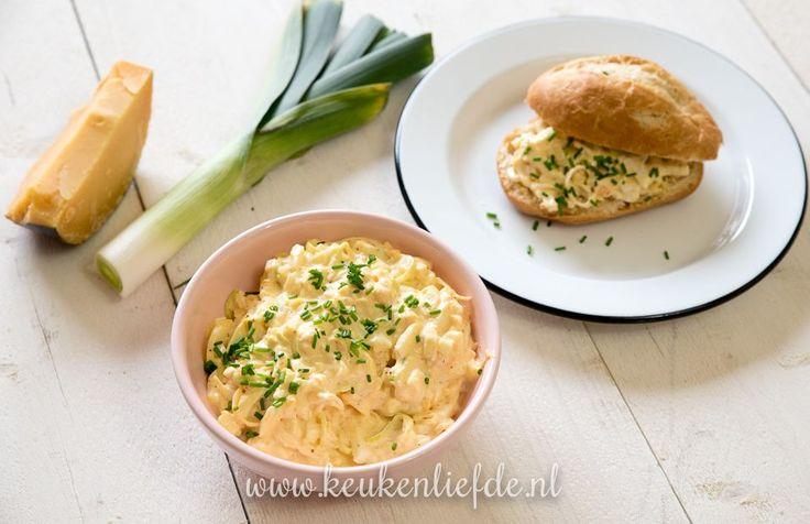 Deze eiersalade met prei, oude kaas en mosterd proefde ik jaren geleden bij een La Place restaurant en ik was op slag verliefd. Dit is mijn zelfgemaakte var