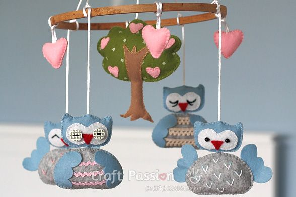 Sew a nursery owl mobile with free pattern and tutorial - would make a great baby shower gift!