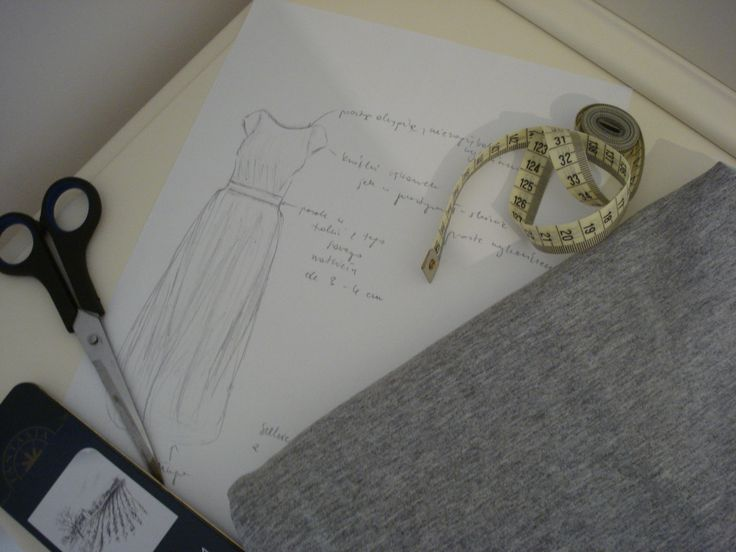 Simple designe for a grey jersey maxi dress.