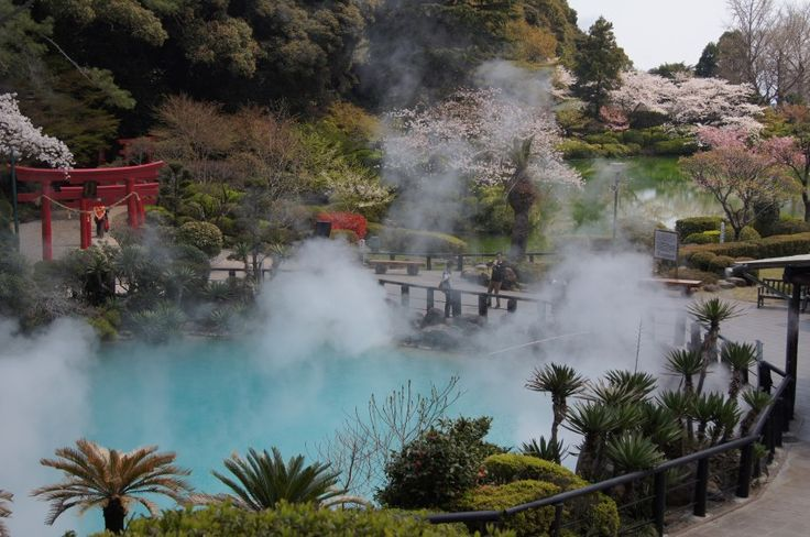 Jigoku Meguri, The Jigoku (Hell Springs) in Beppu, Oita are a stunning natural wonder of hot springs that reach temperatures of up to 98 degrees Celsius and are of different colours and consistencies.