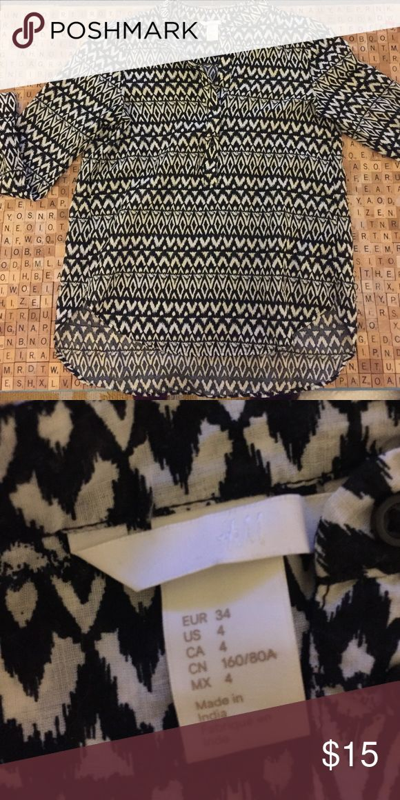 H&M blouse Great go to blouse by H&M. Looks great with a pair of jeans or a skirt. H&M Tops Blouses