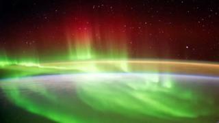 Qué es Planeterella y cómo ayuda a entender el misterio de la aurora polaris - https://www.vexsoluciones.com/noticias/que-es-planeterella-y-como-ayuda-a-entender-el-misterio-de-la-aurora-polaris/
