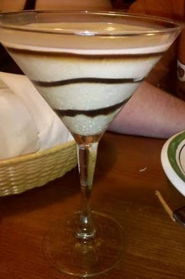 Olive Garden Toasted Marshmallow Amore Cocktail It is like drinking heavenToast Marshmallows, Copy Cat, Marshmallows Martinis, Marshmallows Amor, Ice Cream, Gardens Toast, Olive Gardens, Toasted Marshmallow, Drinks