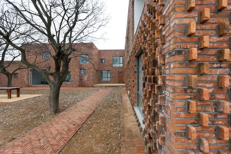 Image 45 of 81 from gallery of 16 Details of Impressive Brickwork. Photograph by Iwan Baan