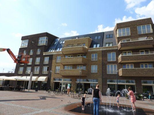Hart van Holland online - Leegstaande winkels zijn een zeldzaamheid in Lansingerland. Foto van Berkel en Rodenrijs nabij station Westpolder