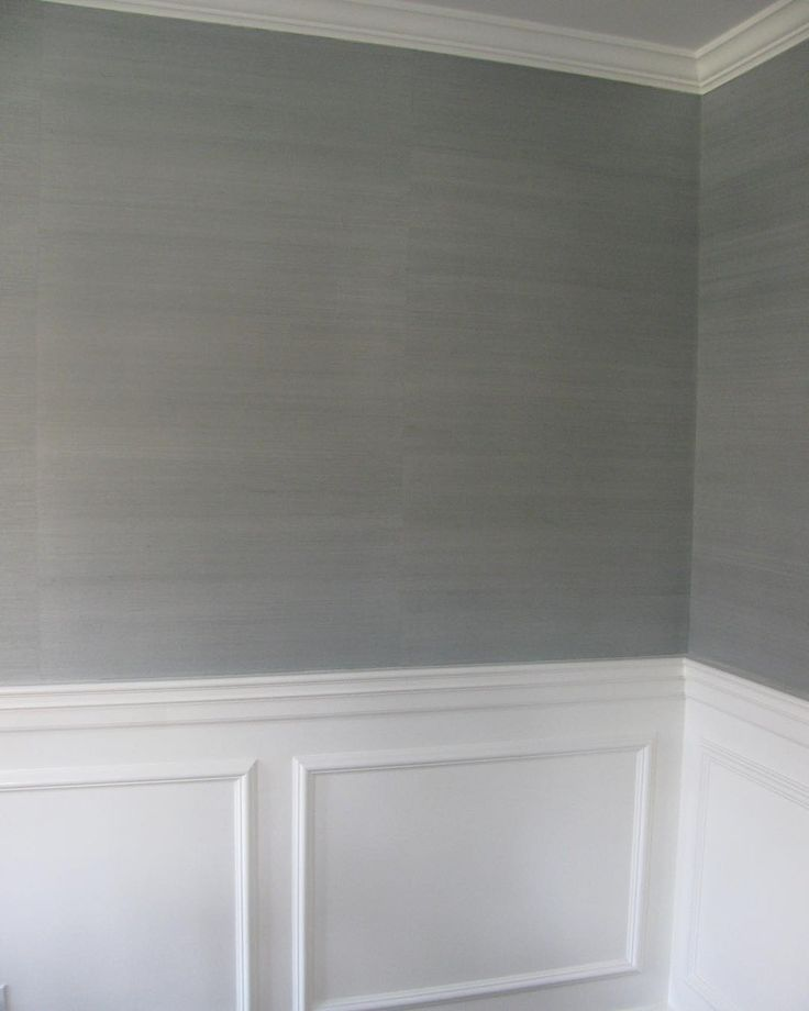 """Dinning room grasscloth wallpaper @thibaut_1886 Shang Extra Fine Sisal in Slate. Love the texture and subtle shine. #thibautgrasscloth #jghomeinteriors"""