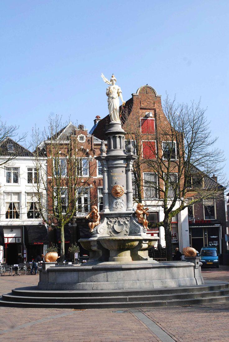 Fontein Brink Deventer - Fotograaf Moric van der Meer