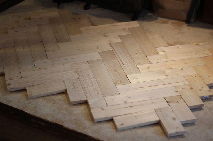 ヘリンボーンテーブルを安い1×4材で作る。〜DIYおじさんの本気編〜|LIMIA (リミア)