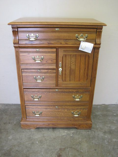 36 X 19 X 52 Solid Oak Chest Of Drawers Has Top Drawers